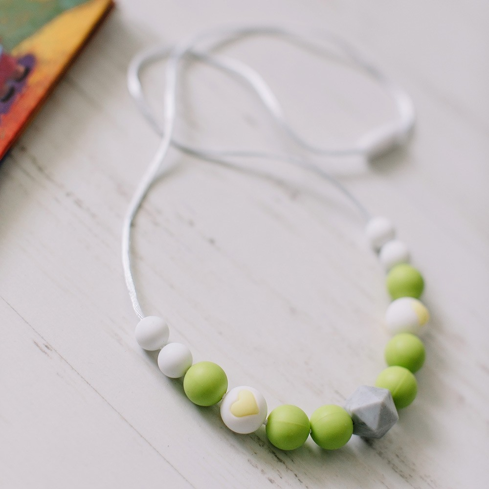 Love & Carry - ogrlica za grickanje - Lime