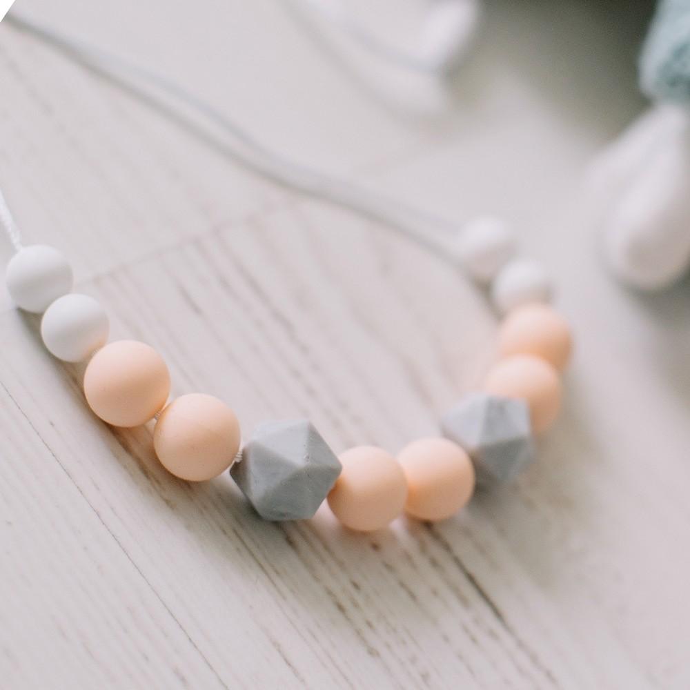 Love & Carry - ogrlica za grickanje - Peach